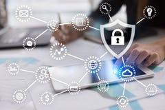 Sicurezza cyber, protezione dei dati, sicurezza di informazioni e crittografia immagini stock libere da diritti