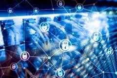 Sicurezza cyber, segretezza di informazioni, concetto di protezione dei dati sul fondo moderno della stanza del server Internet e fotografie stock