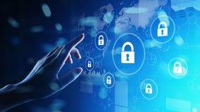 Sicurezza cyber, segretezza di informazioni, protezione dei dati Concetto di tecnologia e di Internet sullo schermo virtuale illustrazione vettoriale