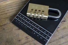 Sicurezza del dispositivo mobile Fotografia Stock Libera da Diritti
