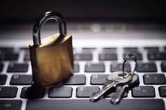 Sicurezza della rete di computer e di Internet fotografie stock libere da diritti