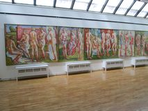 SID, ΣΕΡΒΊΑ - 2 ΜΑΐΟΥ: Έργα ζωγραφικής στο γκαλερί τέχνης Sava Sumanovic, Sid Στοκ φωτογραφία με δικαίωμα ελεύθερης χρήσης