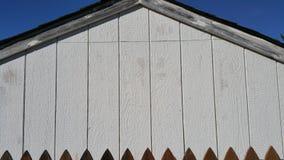 Sida av den vita ladugården Royaltyfri Fotografi