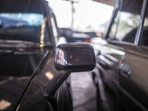 sida för bilspegel Arkivfoto