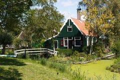 sida för grönt hus för land Royaltyfria Bilder