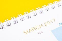 Sida för kalender för mars 2017 för slut övre Arkivbilder