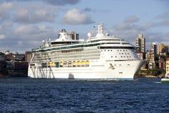 Sida för kryssningskepp på Royaltyfria Foton