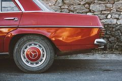 Sida för röd bil för tappning bakre royaltyfri bild