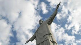 Sida på zoom in av christ Förlossarestatyn i rio arkivfilmer