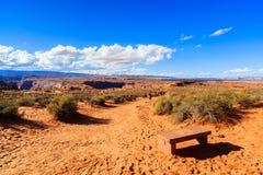 sida USA för anteckningsbok för man för arizona böjningshästsko arkivfoton