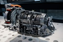 Free Side View Cross Section Of Automatic Transmission Gearbox On Blurry Background Royalty Free Stock Images - 165325999