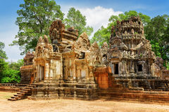 Side view of entrance to Thommanon temple in Angkor, Cambodia Stock Photos