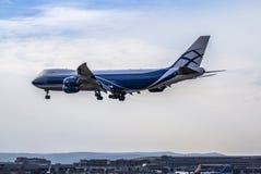 Airplane ist landing Royalty Free Stock Photos