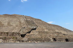 Side view of main pyramid at Teotihuacan Royalty Free Stock Photos