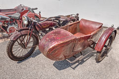 老摩托车印地安侦察员边与sidec的600 cc 库存图片