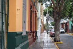 Sidestreet i det Barranco området Royaltyfri Foto