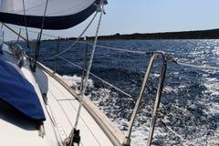 Sideview de bateau à voiles Image libre de droits