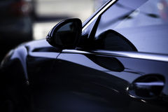 Sideview des Sportautos Lizenzfreies Stockfoto