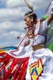 Sideview di bella donna del nativo americano Immagini Stock