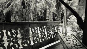 Sideview Oude en beschadigde Pavilon in de Wildernis van Thailand in Retrospective royalty-vrije stock afbeelding