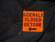 Sidewak Closed Detour Sign Stock Images