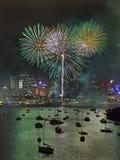 Sidney Fireworks bij Groene Bos Vert Stock Foto