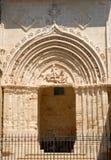 Sidodörr av domkyrkan av Ragusa i Sicilien Arkivbild