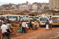 Sidogataliv av Kampala Arkivbilder