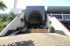 Sidoingång av Masjid Universiti Putra Malaysia på Serdang, Selangor, Malaysia Royaltyfri Fotografi