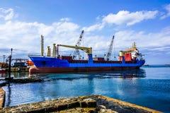 Sidon-Containerschiff lizenzfreies stockbild