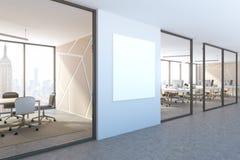 Sidosikt av den blåa väggkontorslobbyen, fyrkantig affisch Fotografering för Bildbyråer