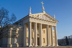 Sidosikt av domkyrkan i Vilnius, Litauen Arkivfoto
