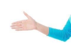 Sidosikt av kvinnan som är klar till handskakningen Royaltyfri Bild