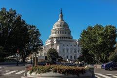 Sidosikt av Washington DC Capitol Hill royaltyfria bilder