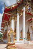 Sidosikt av Wat Chalong arkivfoto