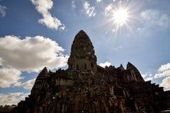 Sidosikten av den Angkor Wat templet på arkeologiskt parkerar Fotografering för Bildbyråer