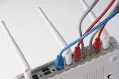 Sieć kable łączący router Sieci komunikacje fotografia stock