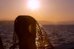 Sieć rybacka w Cypr, błękit sieć z czerwonymi pławikami Zdjęcia Royalty Free