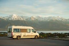 Sie können beste Reise von Neuseeland durch kampierenden Packwagen machen stockfotografie