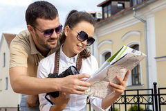 Sie reisen Mann und Frau Lizenzfreie Stockfotos