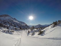 Sie schlingt sich an Rofan-Bergen in den Alpen in Tirol, Österreich Lizenzfreie Stockbilder