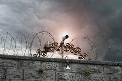 Sie werden aufgepasst Überwachungskameras bemasten in Ipswich, Suffolk, Großbritannien Lizenzfreies Stockfoto
