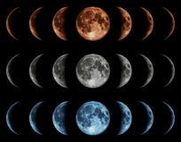 Sieben Phasen des Mondes getrennt auf schwarzem Hintergrund. Lizenzfreie Stockbilder