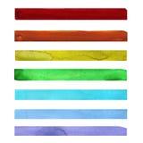 Sieben Regenbogen farbige Aquarellfarbenanschläge Stockfoto