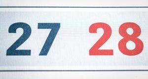 Siebenundzwanzig und achtundzwanzig Kalendertage schließen Lizenzfreies Stockbild