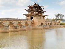 Siebzehn Überspannung brige Jianshui, China lizenzfreie stockfotografie