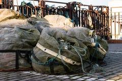 Sieci rybackie i arkany na łodzi rybackiej Łodzie rybackie i ryba Zdjęcie Stock