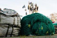 Sieci rybackie i arkany na łodzi rybackiej Łodzie rybackie i ryba Obraz Royalty Free