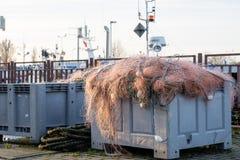 Sieci rybackie i arkany na łodzi rybackiej Łodzie rybackie i ryba Obrazy Royalty Free