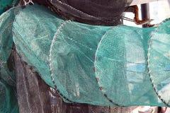 Sieci rybackie w łodzi rybackiej przy molem Obrazy Stock